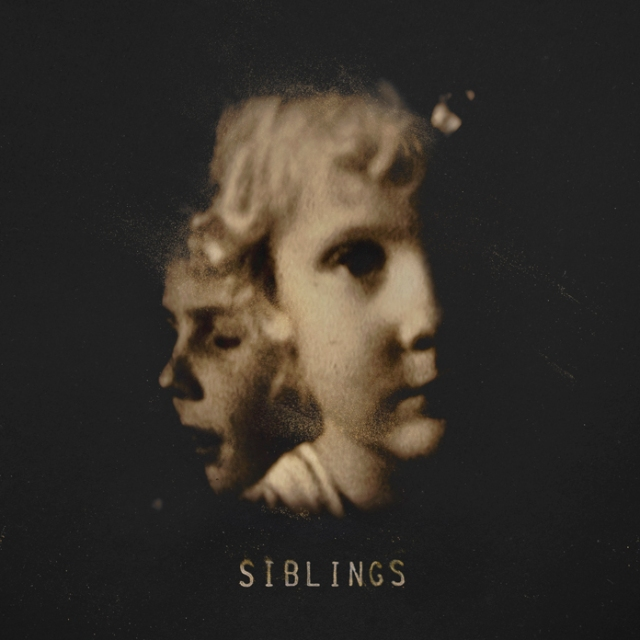 Alex Somers - Siblings